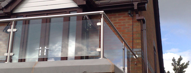 Framed glass balustrade height