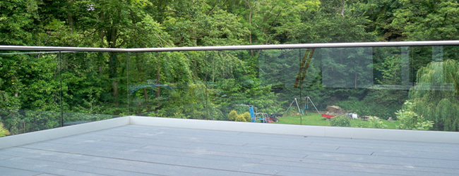 decking area with balustrade