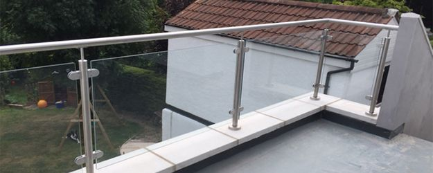 Framed balustrade on balcony