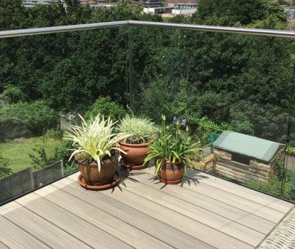 Decking rooftop garden