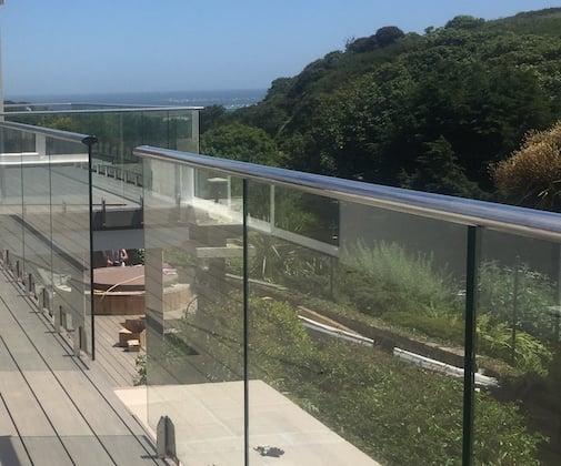 Glass Railing Oval Profile