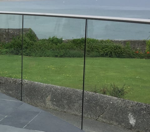 Round Slotted Glass Balcony Rail